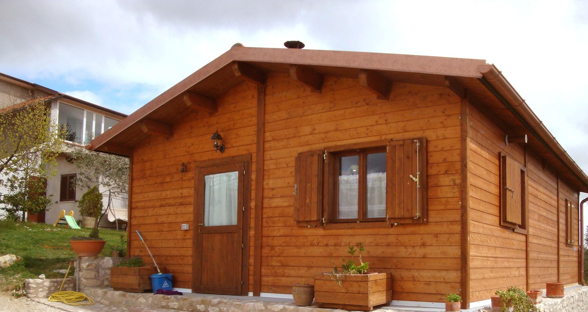 Folignonline terremoto polemiche dopo il servizio delle for Costo casette di legno